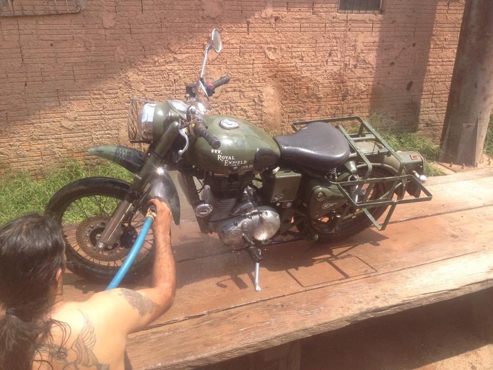 Lavando a moto